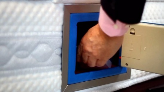 сейф для хранения денег в матрасе