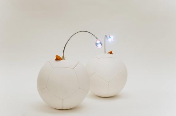 Футбольный мяч Soccket, вырабатывающий электроэнергию