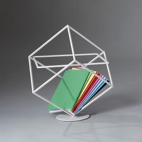 Подставка для журналов от итальянского дизайнера Марко Рипа